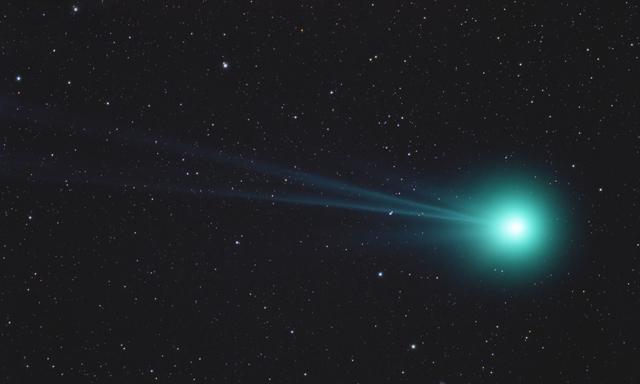 Comet Lovejoy Q2 on Jan 19, 2015, 00:57 UT.  63x120 sec @ ISO 3200, TV-85 at F/5.6, IDAS-LPS, Canon T3.
